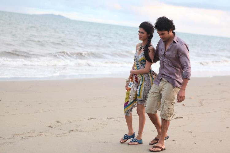 Tena And Rajeev On Beach Photo From Movie Table No. 21