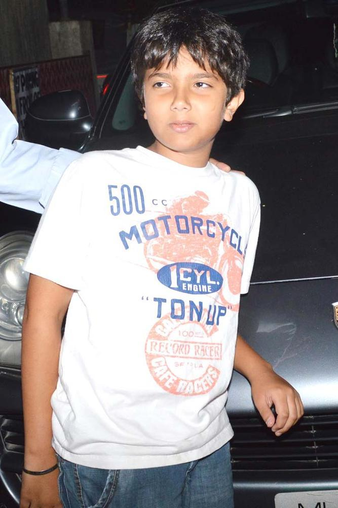 Nirvaan Son Of Sohail Khan Posed At Dabangg 2 Special Screening
