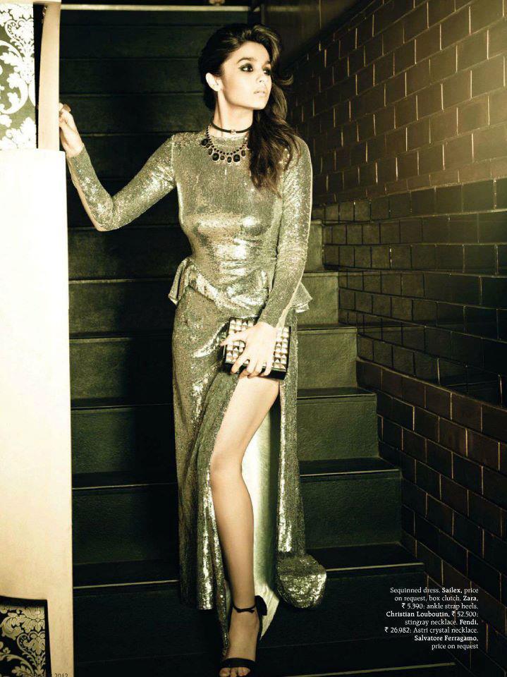 Alia Bhatt Sexy Expression Photo For Grazia Magazine December Issue
