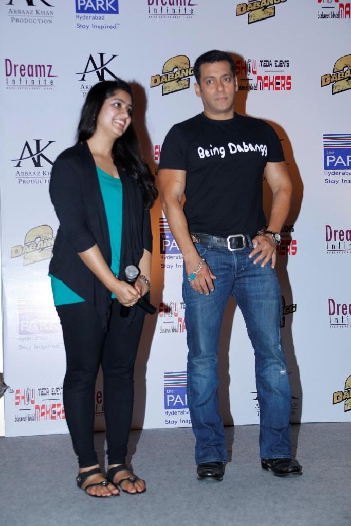 Salman Khan Clicked At Hyderabad For Promoting Of Dabangg 2