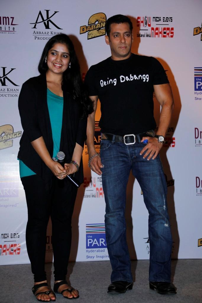 Salman Khan Posed For Camera During Promotion Of Dabangg 2 At Hyderabad