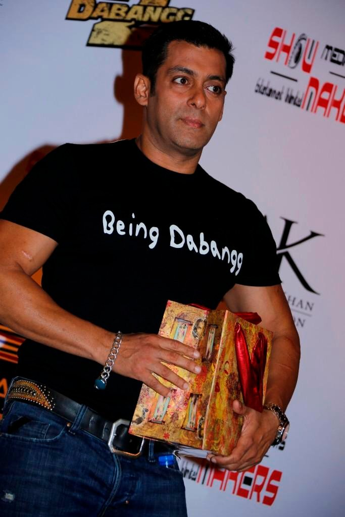 Salman Khan Promotes His Upcoming Movie Dabangg 2
