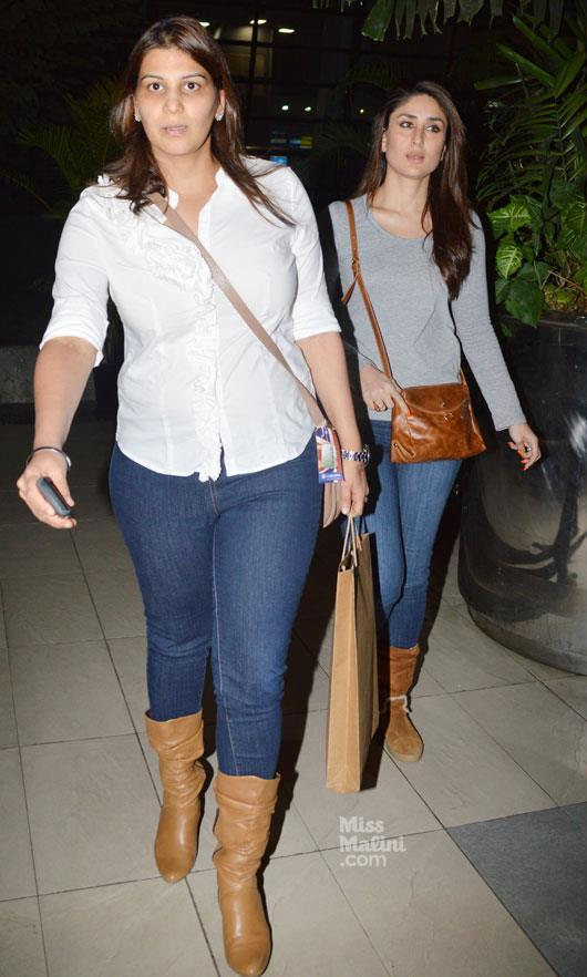 Kareena Kapoor Walks On At Mumbai Airport
