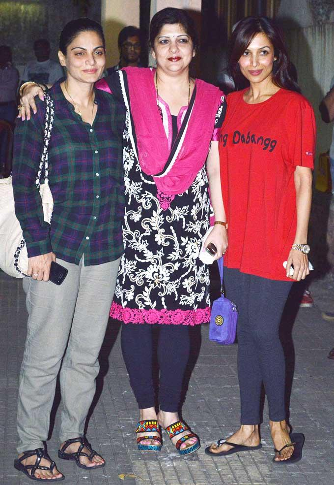 Alvira With Sharmila And Malaika Posed At Dabangg 2 Screening Event