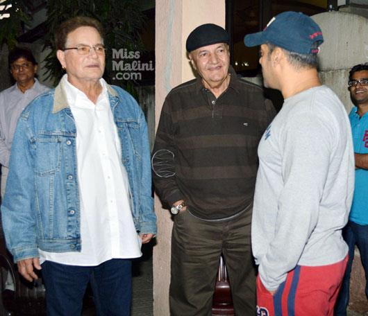 Salman With Dad Salim And Prem Gossip Still At Dabangg 2 Screening Event
