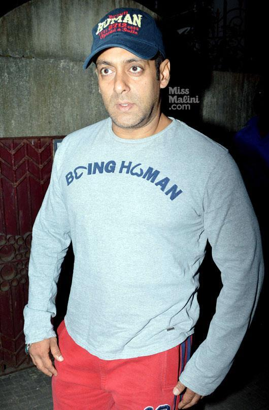 Salman Khan Snapped During Dabangg 2 Screening Event