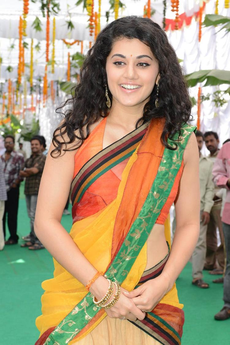 Taapsee Pannu Dazzles At Muni 3 Movie Launch Event