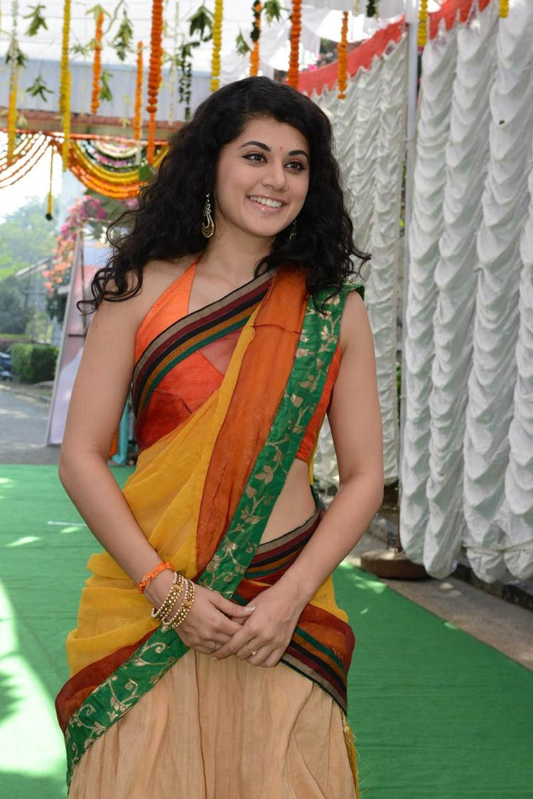 Taapsee Pannu Sizzling Look At Muni 3 Movie Launch Event