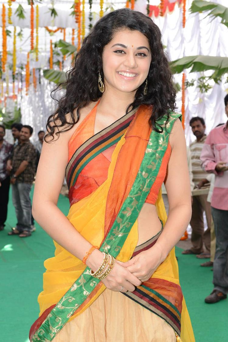 Taapsee Pannu Smiling Still At Muni 3 Movie Launch Event