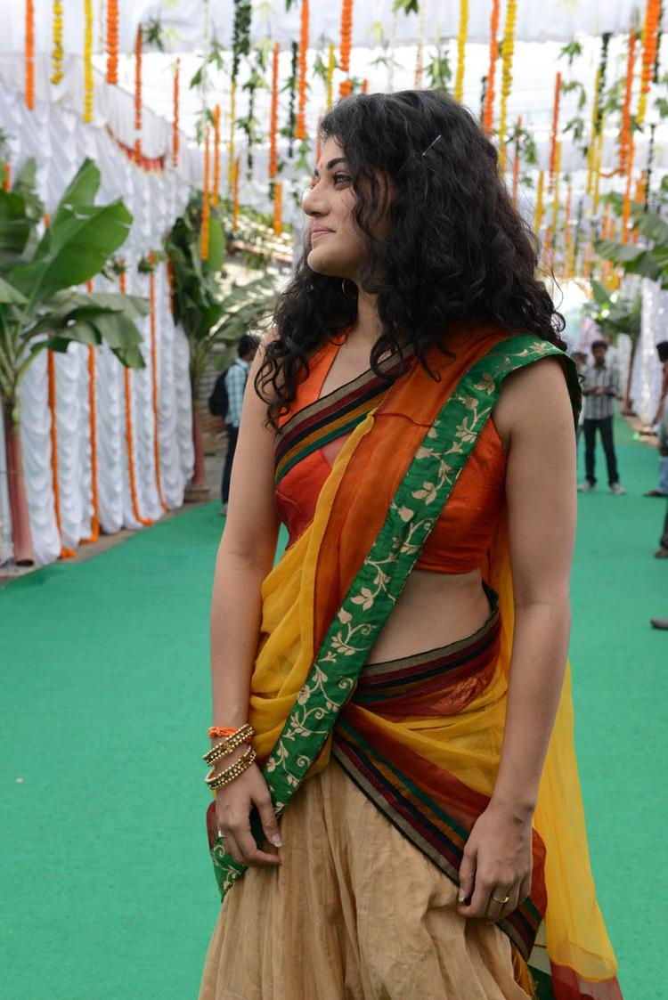 Taapsee Pannu Walks On At Muni 3 Movie Launch Event