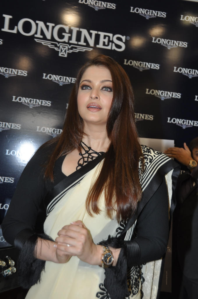 Aishwarya Looked Gorgeous In A White Black Combination Saree At Longines Watch Show Room Launch