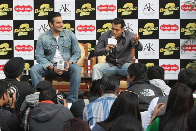 Salman And Arbaaz  Speak Out Photo At Dabangg 2 Promotion In Delhi