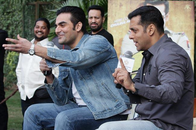 Salman And Arbaz Photo Clicked During Dabangg 2 Promotion In Delhi