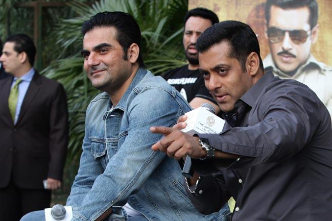 Salman And Arbaz Smiling Still At Dabangg 2 Promotion In Delhi