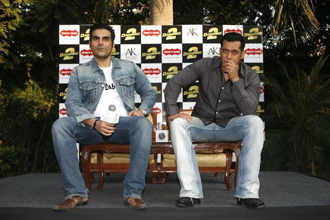 Salman And Arbaz Snapped On Stage During Promotion Movie Dabangg 2 In Delhi