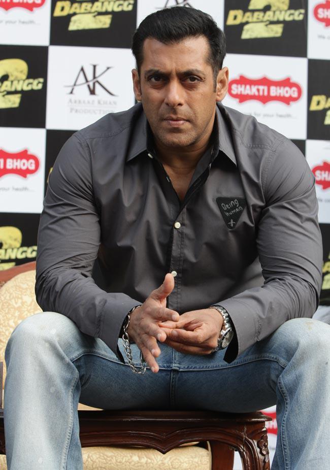 Salman Dashing Look At Dabangg 2 Promotion In Delhi