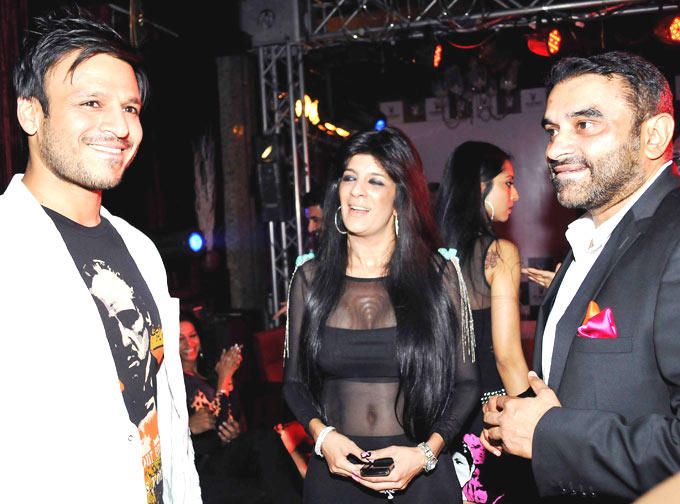 Vivek Oberoi With Friends Arrived At The Playboy Bash