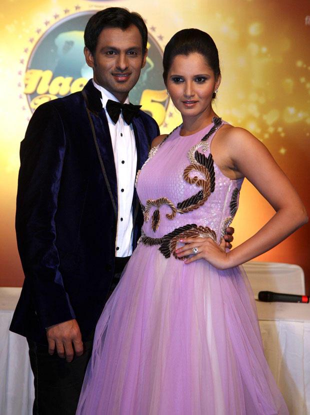 Indian Tennis Queen Sania With Husband Soaib Flash A Smile At Nach Baliye 5 Press Meet