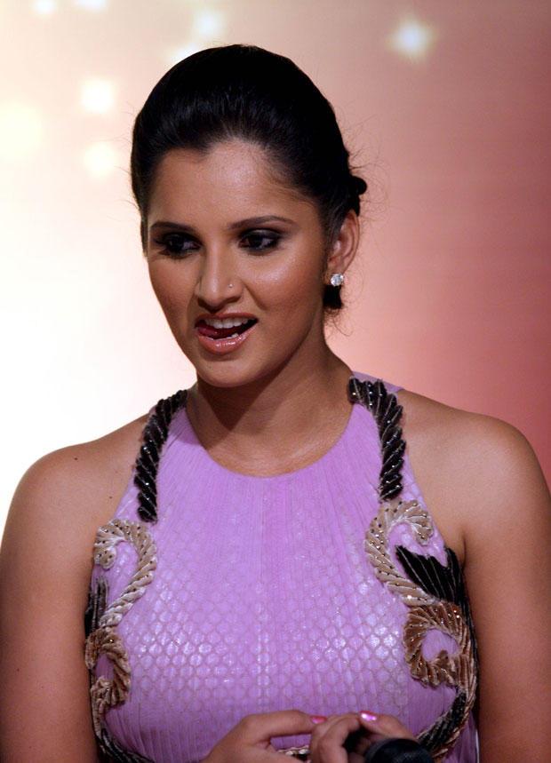 Sania Attractive And Beautiful Look At Nach Baliye 5 Press Meet