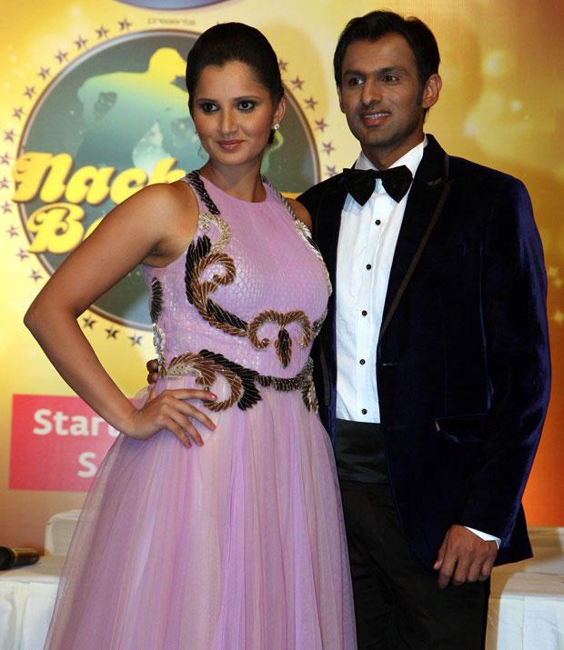 Sania With Beau Shoaib Strikes A Pose At Nach Baliye 5 Press Meet