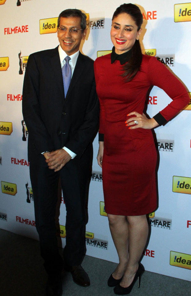Kareena With A Guest Smiling Pose At The 58th Idea Filmfare Awards Press Meet