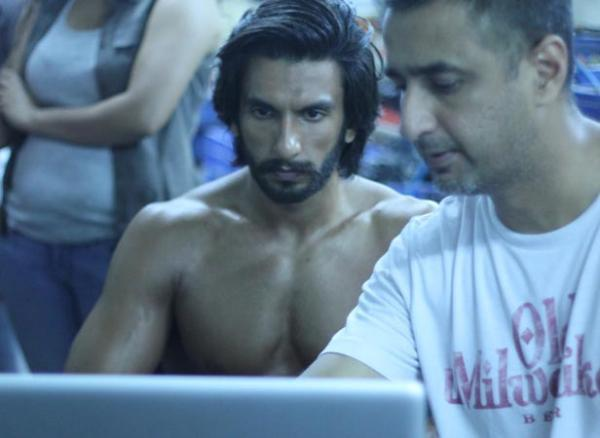 Ranveer Sexy Body Look Photo Shoot For Filmfare January 2013 Issue