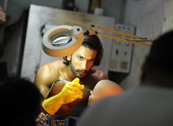 Ranveer Singh Flaunts His Hot Body Photo Shoot For Filmfare January 2013 Issue