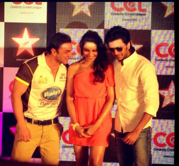 Bipasha,Riteish And Sohail During The CCL Press Conference