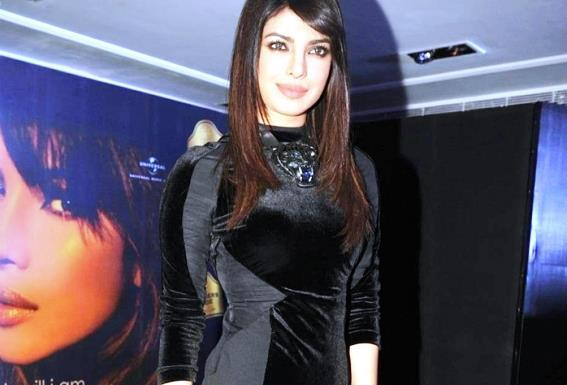 Priyanka Dazzles At Blenders Pride Event For Promoting Her Album In My City