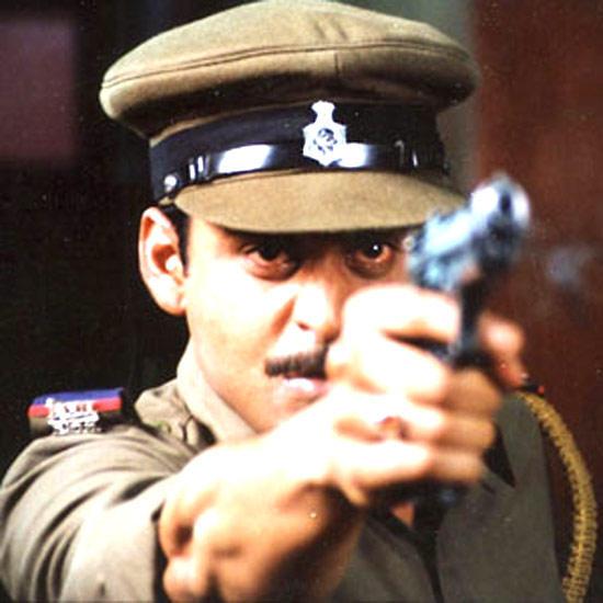 Manoj Bajpai Rocking Photo As Inspector Samar Pratap In Movie Shool