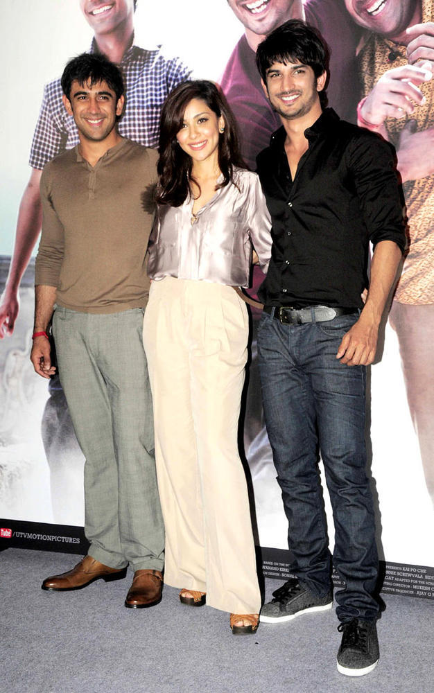 Amit,Amrita And Sushant Snapped A Photo At Kai Po Che Movie Trailor Launch