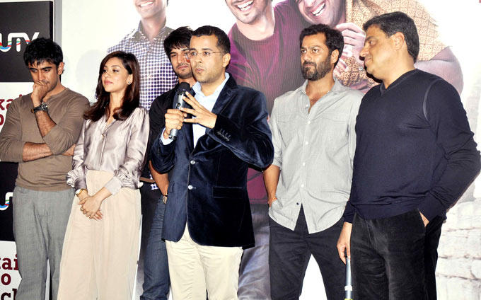 Chetan Speaks As Amit,Sushant,Amrita,Abhishek And Ronnie Listen On At The Kai Po Che Trailer Launch