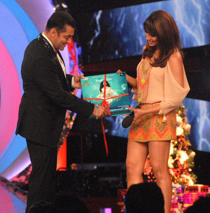 Bipasha Launches Her Fitness DVD Breakfree With Salman On The Sets Of Bigg Boss 6