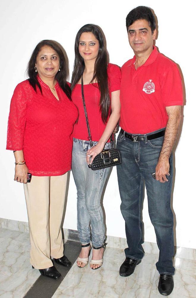 Guests Nice Pose Photo Clicked At Karishma Tannas Birthday Bash