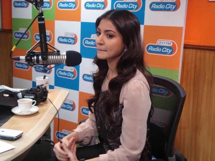 Anushka Snapped At Radio City 91.1 FM For Promotion Of MKBKM