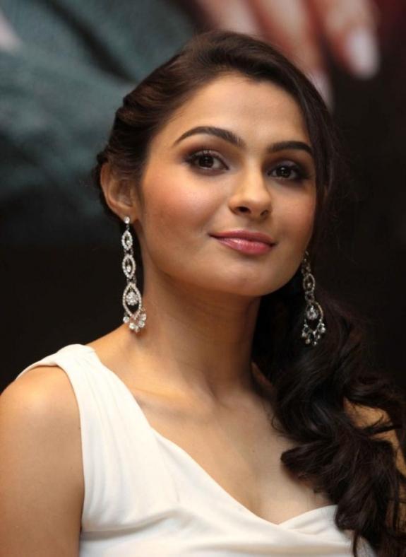 Andrea Jeremiah Glamorous Look Photo Still At Vishwaroop Hindi Movie Press Meet