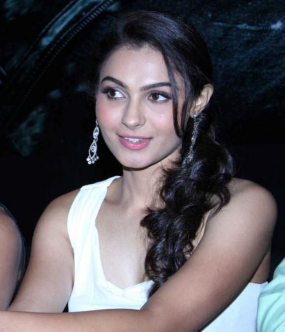 Andrea Jeremiah Trendy Looking Photo Still At Vishwaroop Hindi Movie Press Meet