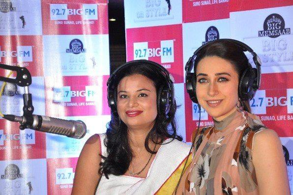 Karisma Kapoor Turnd RJ At 92.7 Big FM Studio