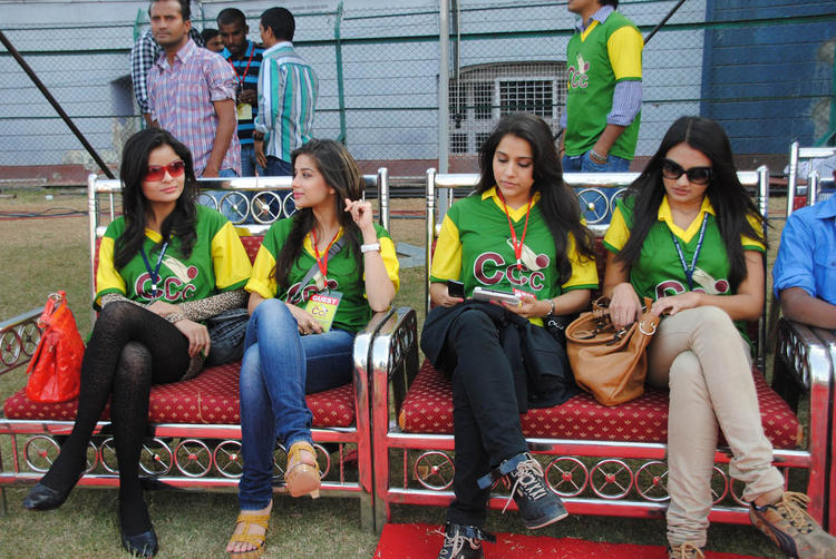 Hattie Actress Sitting Photo Clicked At A Match Between Mumbai Heroes And Telugu Warriors