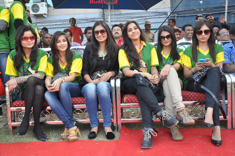 Madhurima,Madhavi And Madhu With Friends Enjoying The Match At