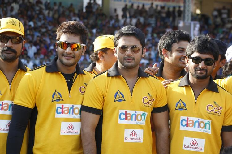 Nitin And Naveen With Other Team Members Snapped  During The Match Between Mumbai Heroes And Telugu Warriors