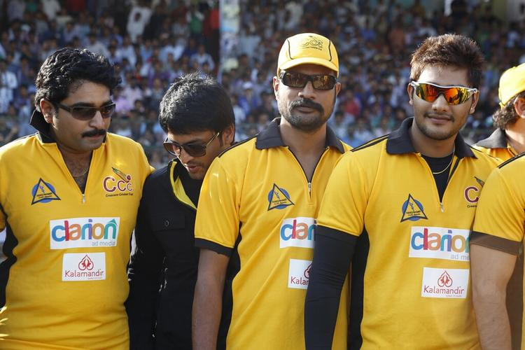 Telugu Warrior Team Members Posed For Photo  During The Match Between Mumbai Heroes And Telugu Warriors