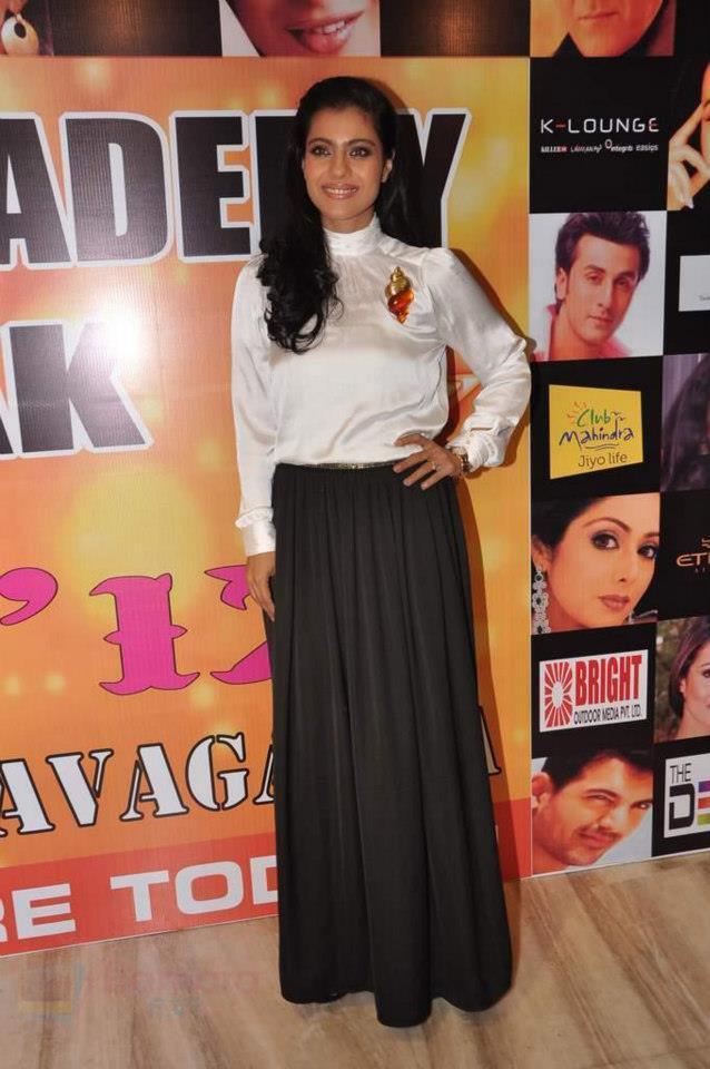 Kajol Devgn Smiling Photo Still At Star Nite 2012 Event