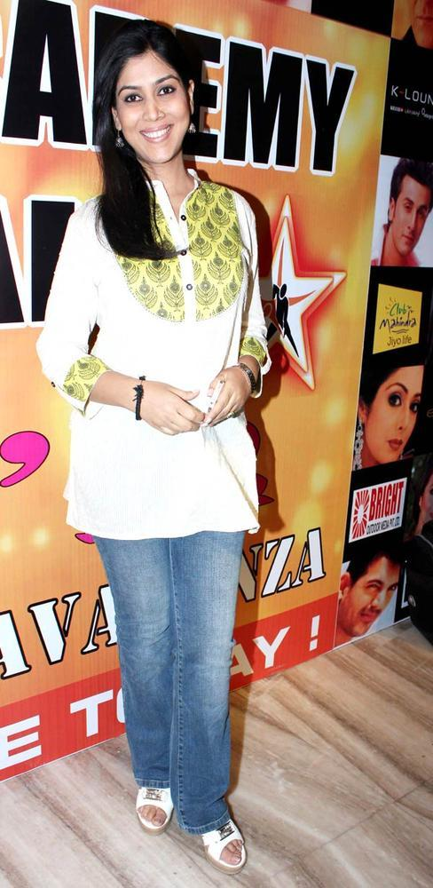 Sakshi Snapped At Star Nite 2012 By Star Dance Academy