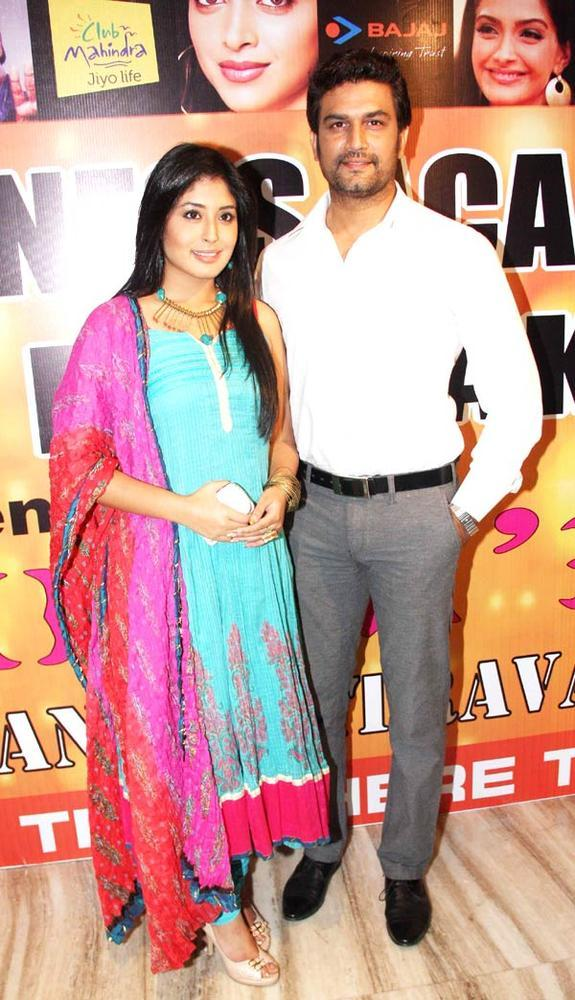 Sharad And Kritika Posed For Camera At Star Nite 2012 By Star Dance Academy