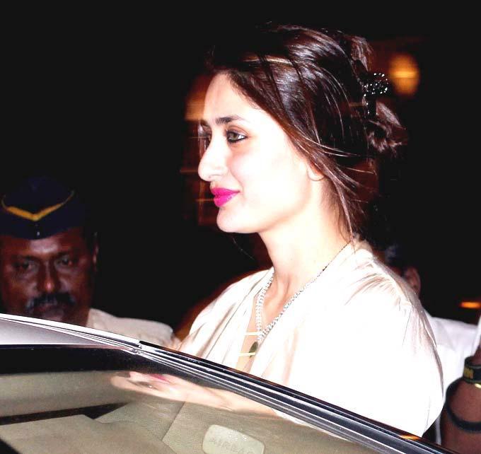 Kareena Dazzles At Mumbai Church For The Midnight Mass