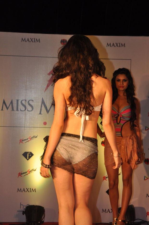 A Model Backbare Show At Kamasutra Miss Maxim 2012 Grand Finale