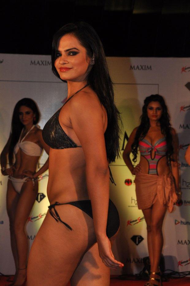 A Model Bold Pose At Kamasutra Miss Maxim 2012 Grand Finale
