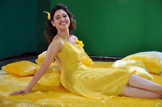 Sexy Tamanna Bhatia Smiling Still