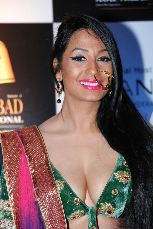 Kashmira Sexy Boob Exposing Spicy Still At Blenders Pride Hyderabad International Fashion Week